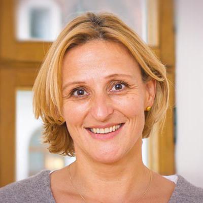 Ihre Ansprechpartnerin Monika Stumpf
